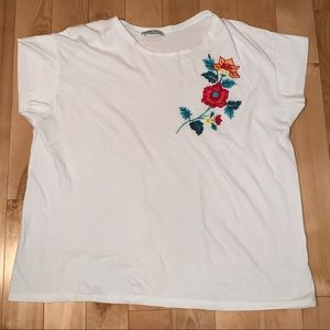 T-shirt with flower embroidery